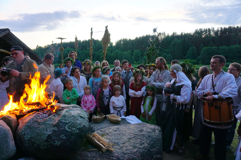 Rasos šventė prie Jonionių akmenų