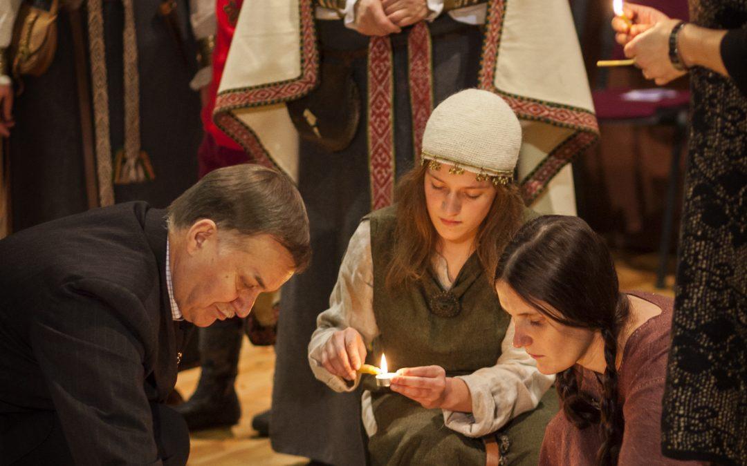 Romuviai sugrįžtančią Saulę pasitiks protėvių giesmėmis