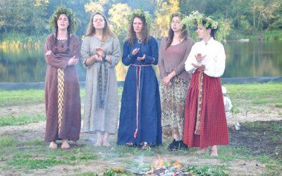 Devyniaragio romuva aktyviai skleidžia baltų kultūrą